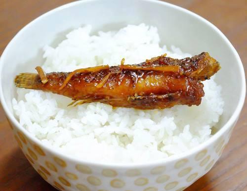Cá bống kho tộ ăn cùng cơm