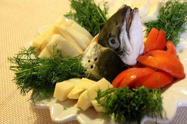 Nguyên liệu tươi ngon nấu lẩu cá hồi